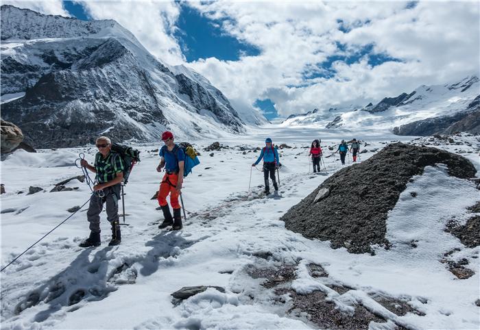 Aletsch Glacier 01.jpg